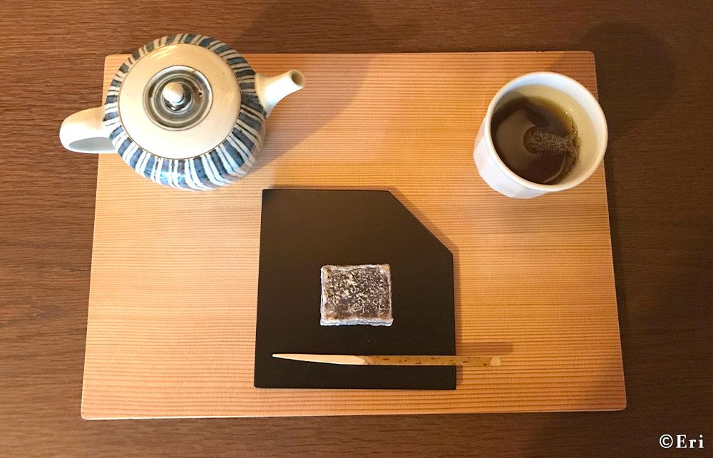 季節の主菓子とお茶のセット