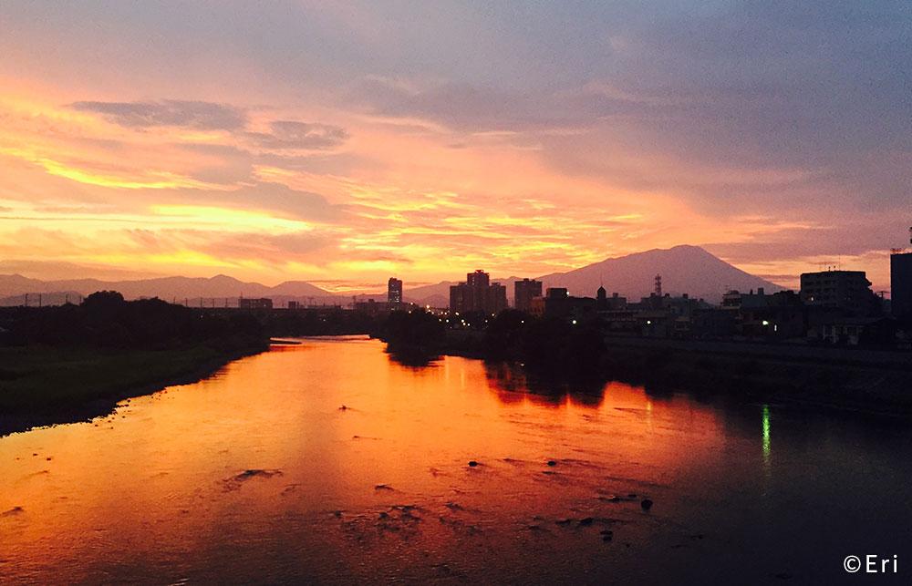 盛岡市 岩手山と北上川